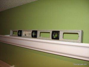 level rain gutter shelves