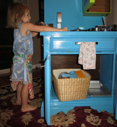 play kitchen bella cabinet